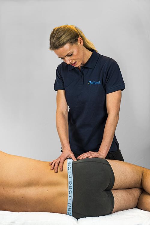 e66f63f0 Utstrålende smerte i beinet er en vanlig plage og årsaken til dette kan  være mange. En av disse er isjias som ofte er forårsaket av prolaps i ...